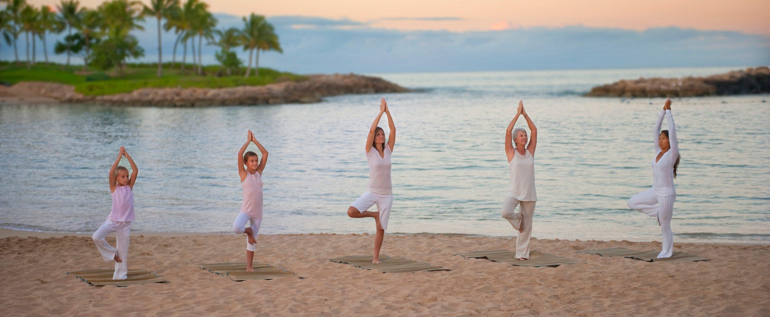 26 ideas para jugar con  yoga este verano con los  niños.
